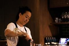Monica Berg à Tayēr bar à cocktails à Londres