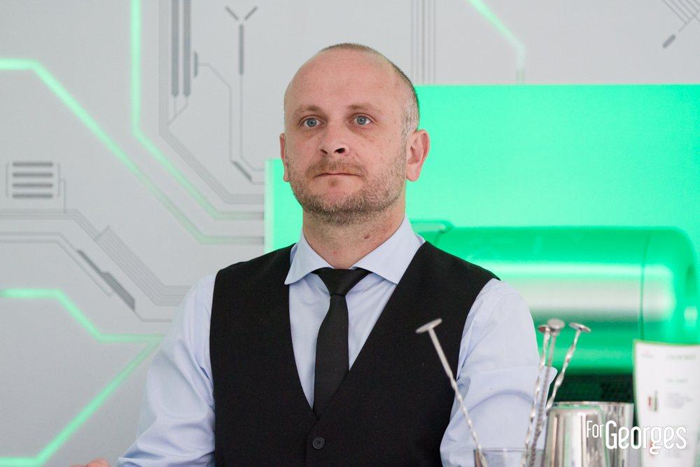 forgeorges subroom Heineken Barman