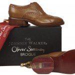 Les chaussures Johnnie Walker par Oliver Sweeney