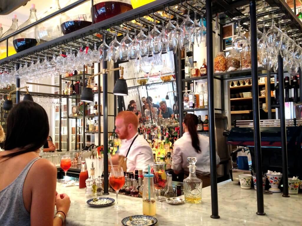 Bar à cocktails à Ober Mamma Paris