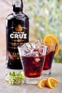 Porto-Cruz-Rouge-ambiance-bouteille