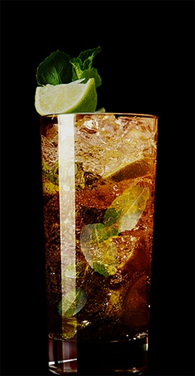 Black Mojito cocktail