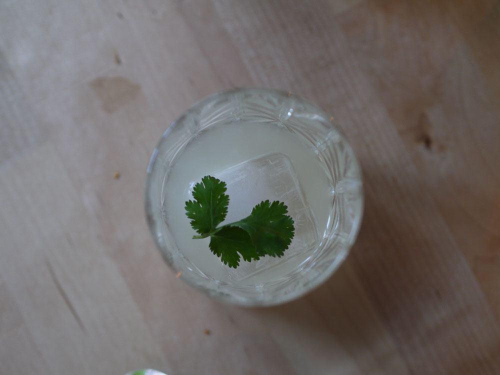 Cocktail au mezcal simple vue de haut