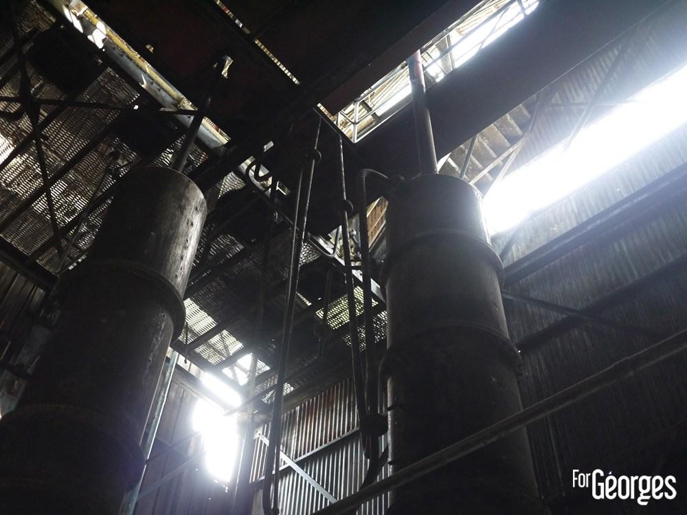 Colonne de distillation Ron Abuelo au Panama