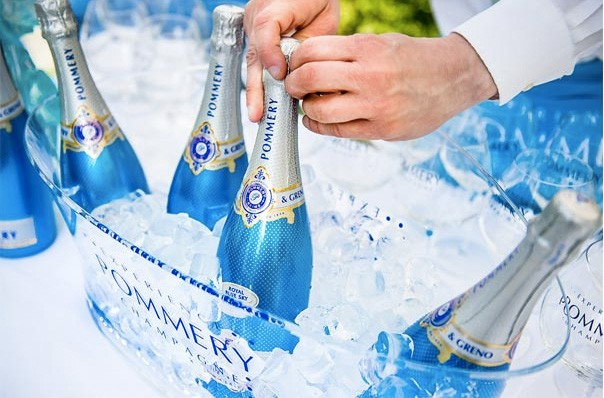 Pommery champagne blue