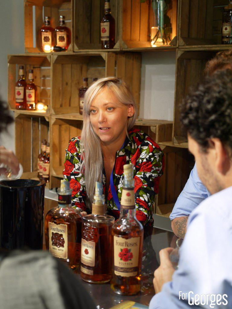 Amanda Boucher stand Four Roses - Whisky live Paris 2018