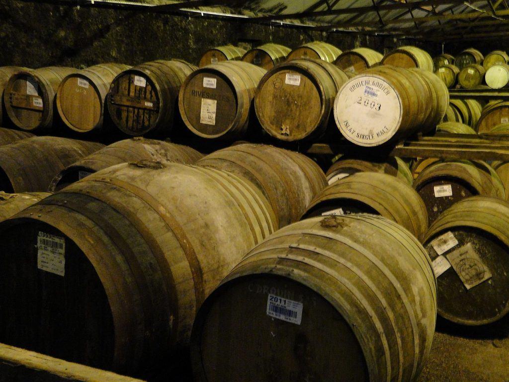 comment bien choisir son whisky le vieillissement et les fûts