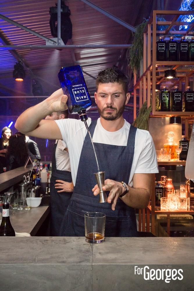 Guillaume Gerbois préparation cocktail Haig Club Cocktail