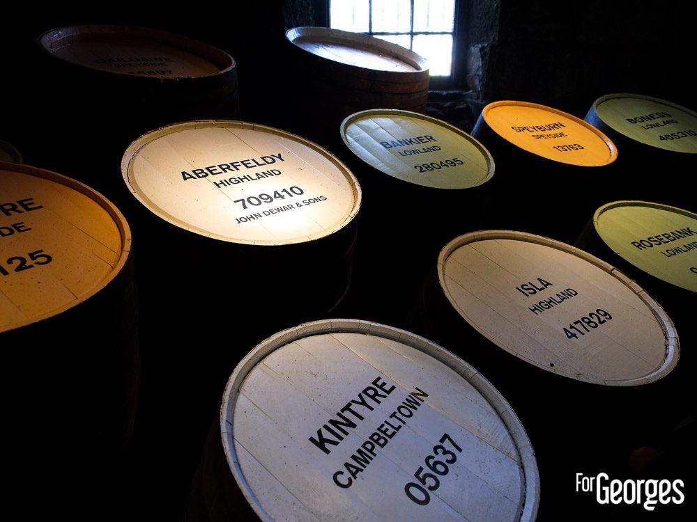 Les fûts dans la distillerie Aberfeldy