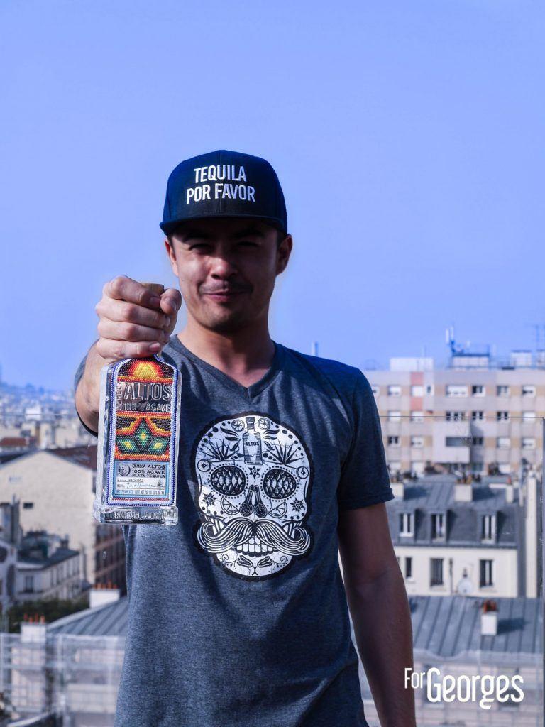 James Dury avec Altos tequila dans la main