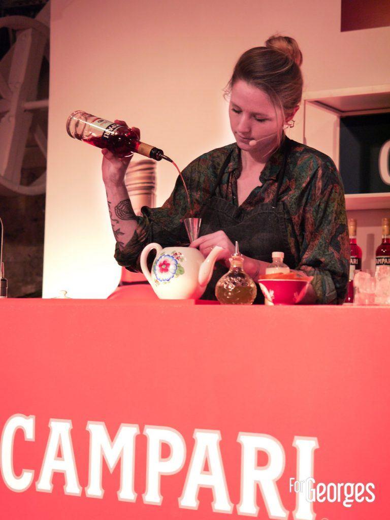 Campari Bartender Competition Chirine Cabaret-Besenval, du bar Kouto (Paris) avec sa création « Une escale à Téhéran »