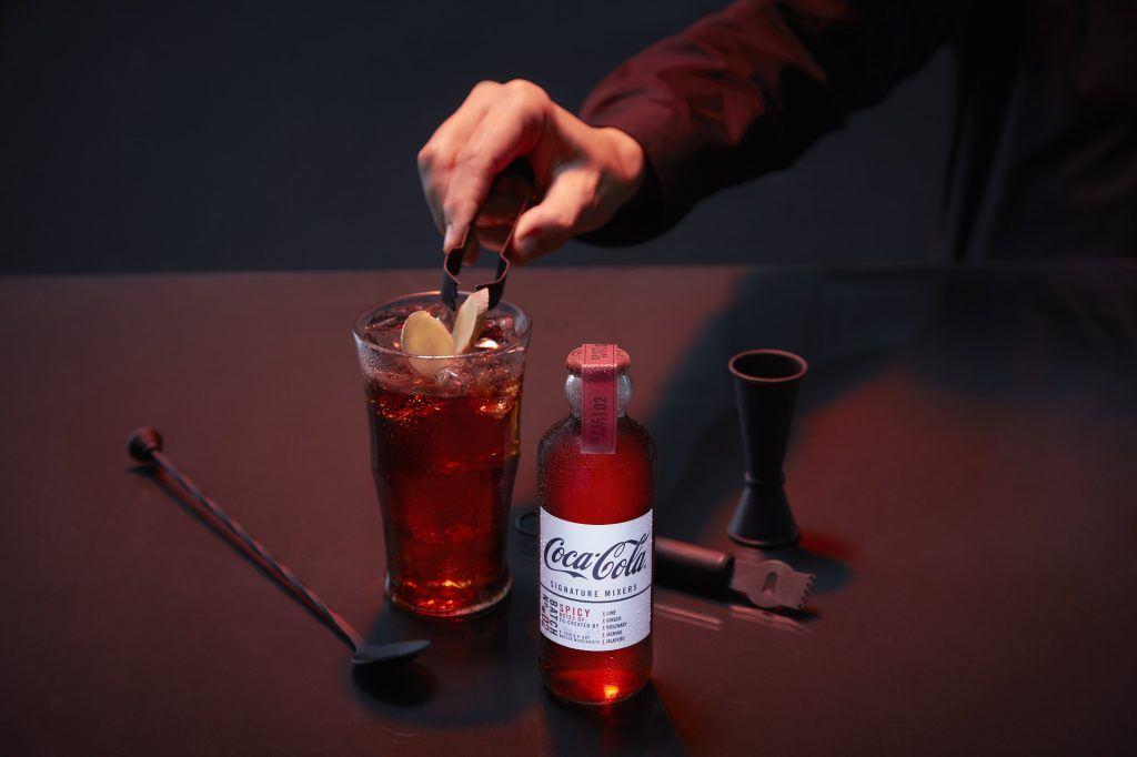 Cocktail à base de Coca-Cola Signature Mixers