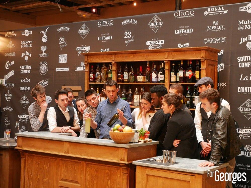 Aymeric Tortereau briefe les participants aux Trophées du bar
