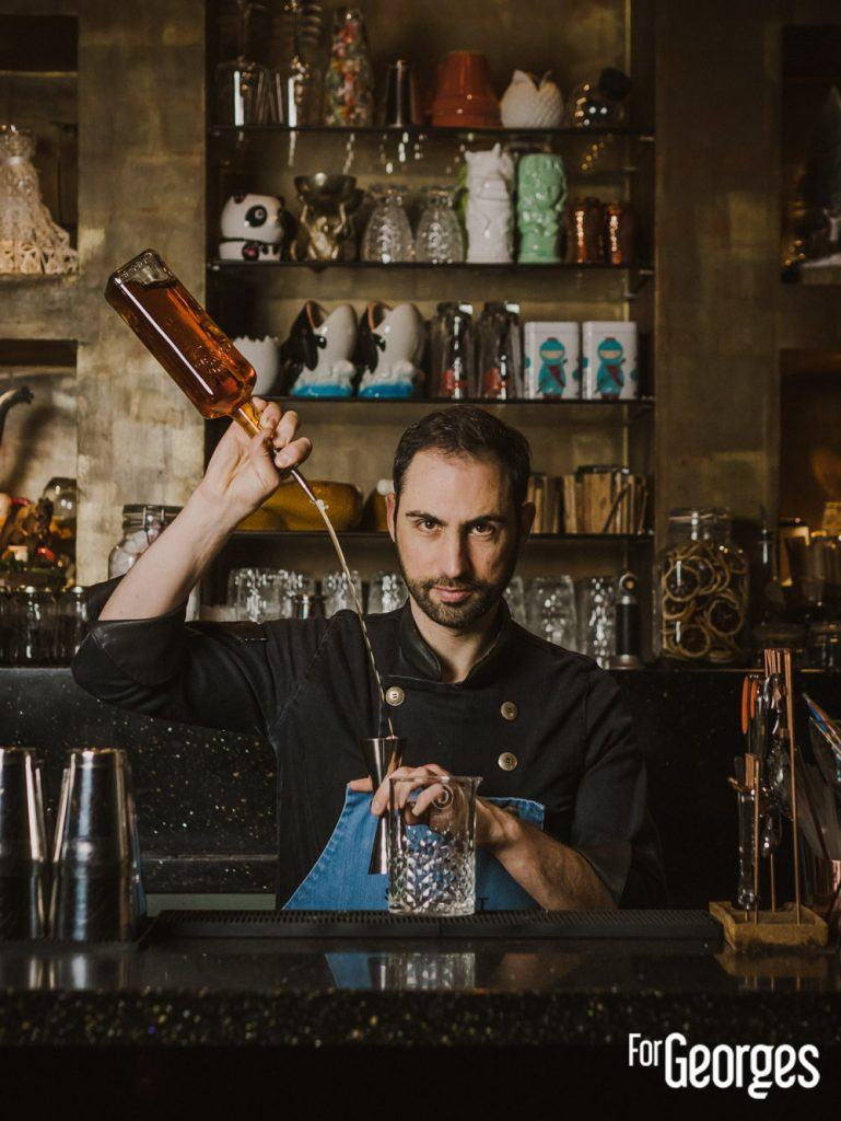 Regis Celabe barman au Secret 8