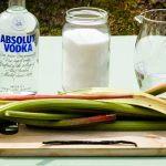 La recette de l'excellente liqueur de Rhubarbe vanille Maison